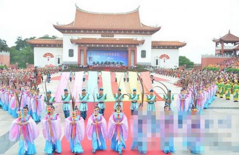 122                记者26日从福建湄洲岛获悉,湄洲妈祖祭典民俗文艺